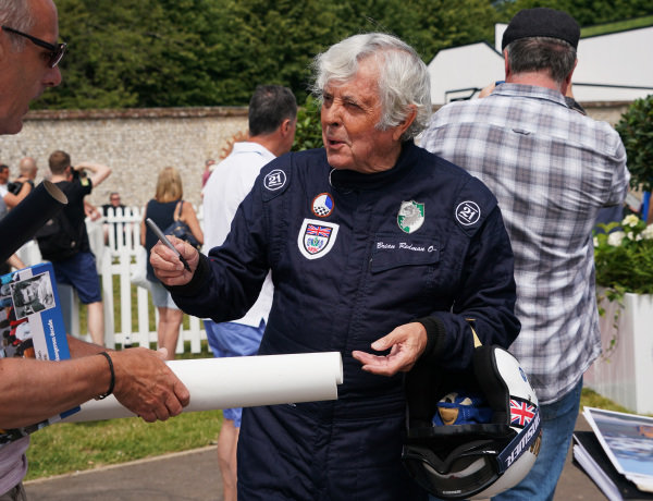 Brian Redman signs autographs.