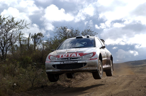 World Rally Championship, Rally of Argentina, May 16-19, 2002.Marcus Gronholm jumps on stage 16.Photo: Ralph Hardwick/LAT