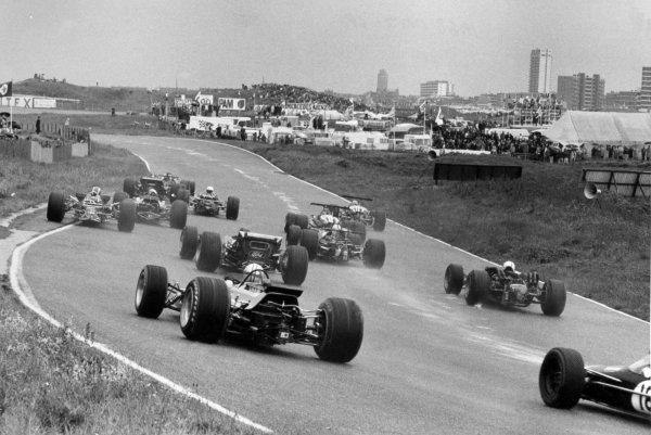 1968 Dutch Grand Prix.Zandvoort, Holland. 23 June 1968.Graham Hill, Lotus 49B-Ford, 9th position, leads at the start, action.World Copyright: LAT PhotographicRef: Motor b&w print