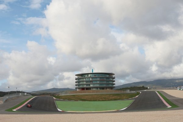 Luca Badoer (ITA) Ferrari. Formula One Testing, Day Three, Algarve Motor Park, Portimao, Portugal, 17 December 2008.