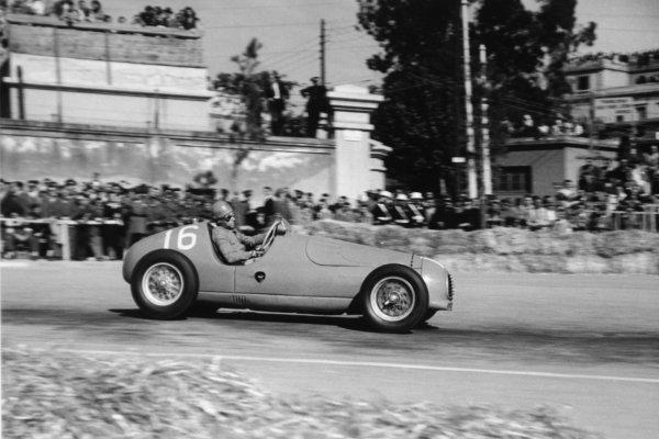 1951 Spanish Grand Prix.Pedralbes, Barcelona, Spain. 28 October 1951.Andre Simon (Simca-Gordini T15). Ref-51/65 #22.World Championship - LAT Photographic