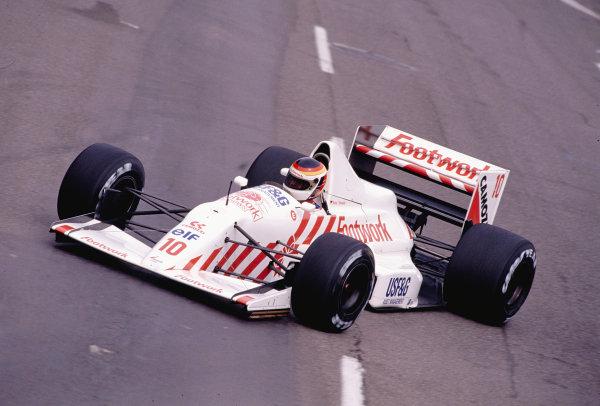 1990 United States Grand Prix.Phoenix, Arizona, USA.9-11 March 1990.Bernd Schneider (Arrows A11 Ford) 12th position.Ref-90 USA 42.World Copyright - LAT Photographic