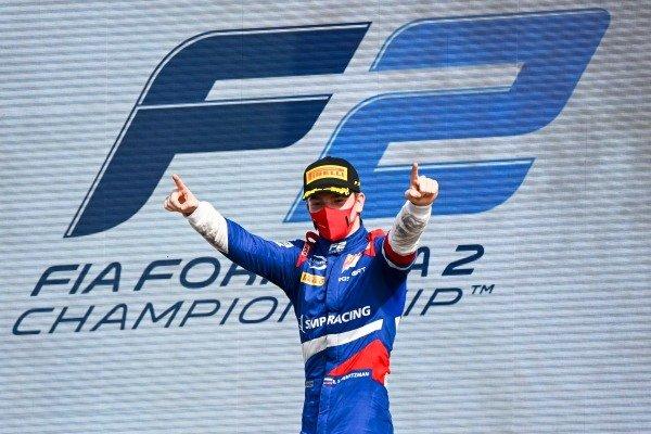 Race Winner Robert Shwartzman (RUS, PREMA RACING) celebrates on the podium