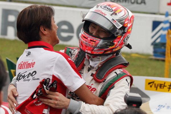 Winner Kenta Yamashita, Kondo Racing, Dallara SF19 Honda, celebrates in par ferme