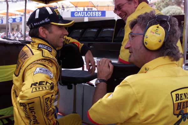1999 Monaco Grand Prix.Monte Carlo, Monaco.13-16 May 1999.Damon Hill and team boss Eddie JordanWorld Copyright - TEE/LAT Photographic