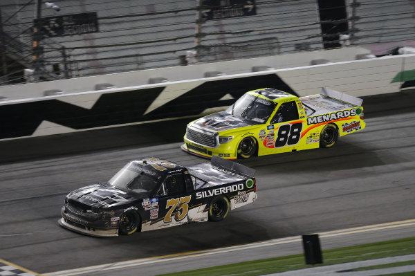 #75: Sam Mayer, Henderson Motorsports, Chevrolet Silverado, #88: Matt Crafton, ThorSport Racing, Toyota Tundra Menards
