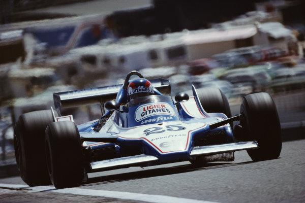 Patrick Depailler, Ligier JS11 Ford, during practice.