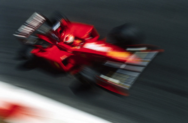 Eddie Irvine, Ferrari F300.