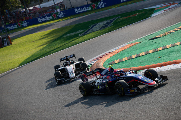 AUTODROMO NAZIONALE MONZA, ITALY - SEPTEMBER 07: Nobuharu Matsushita (JPN, CARLIN) and Callum Ilott (GBR, SAUBER JUNIOR TEAM BY CHAROUZ) during the Monza at Autodromo Nazionale Monza on September 07, 2019 in Autodromo Nazionale Monza, Italy. (Photo by Joe Portlock / LAT Images / FIA F2 Championship)