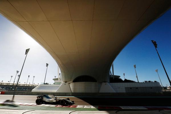 Yas Marina Circuit, Abu Dhabi, United Arab Emirates. Wednesday 29 November 2017. Sergey Sirotkin, Williams FW40 Mercedes.  World Copyright: Zak Mauger/LAT Images  ref: Digital Image _O3I1726