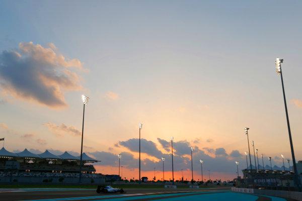 Yas Marina Circuit, Abu Dhabi, United Arab Emirates. Friday 27 November 2015. Felipe Massa, Williams FW37 Mercedes. World Copyright: Charles Coates/LAT Photographic ref: Digital Image _99O7052