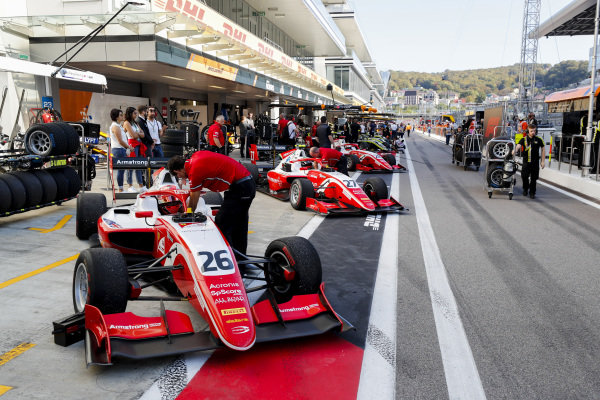 SOCHI AUTODROM, RUSSIAN FEDERATION - SEPTEMBER 29: Marcus Armstrong (NZL, PREMA Racing) and Jehan Daruvala (IND, PREMA Racing) during the Sochi at Sochi Autodrom on September 29, 2019 in Sochi Autodrom, Russian Federation. (Photo by Carl Bingham / LAT Images / FIA F3 Championship)