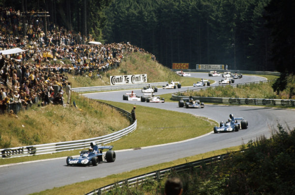 Jackie Stewart, Tyrrell 006 Ford, leads François Cevert, Tyrrell 006 Ford, Ronnie Peterson, Lotus 72E Ford, Jacky Ickx, McLaren M23 Ford and Niki Lauda, BRM P160E.