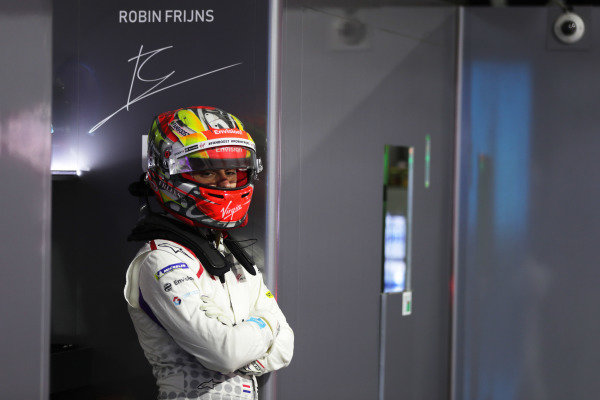 Robin Frijns (NLD), Envision Virgin Racing in the garage