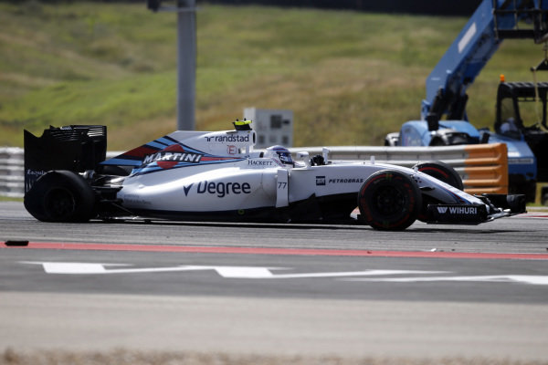 Valtteri Bottas (FIN) Williams FW38 with rear puncture aftyer spinning at the start of the race at Formula One World Championship, Rd18, United States Grand Prix, Race, Circuit of the Americas, Austin, Texas, USA, Sunday 23 October 2016.