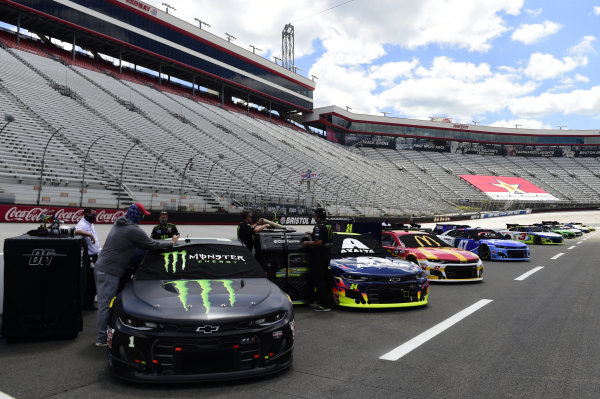 Cars are seen on the grid, Copyright: Kevin C. Cox/Getty Images.