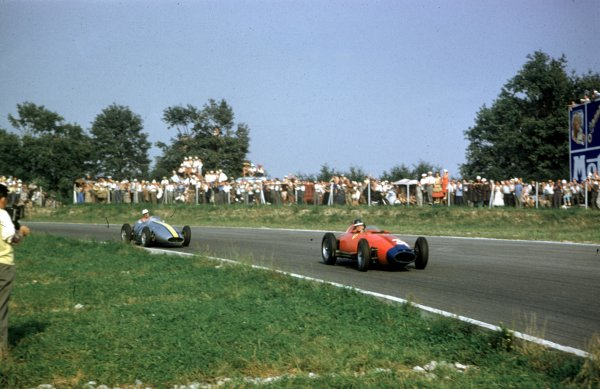 1957 Italian Grand Prix.Monza, Italy.6-8 September 1957.Mike Hawthorn (Lancia-Ferrari D50 801) leads Jo Bonnier (Maserati 250F). Hawthorn finished in 6th position.Ref: 57 ITA 24.World Copyright - LAT Photographic