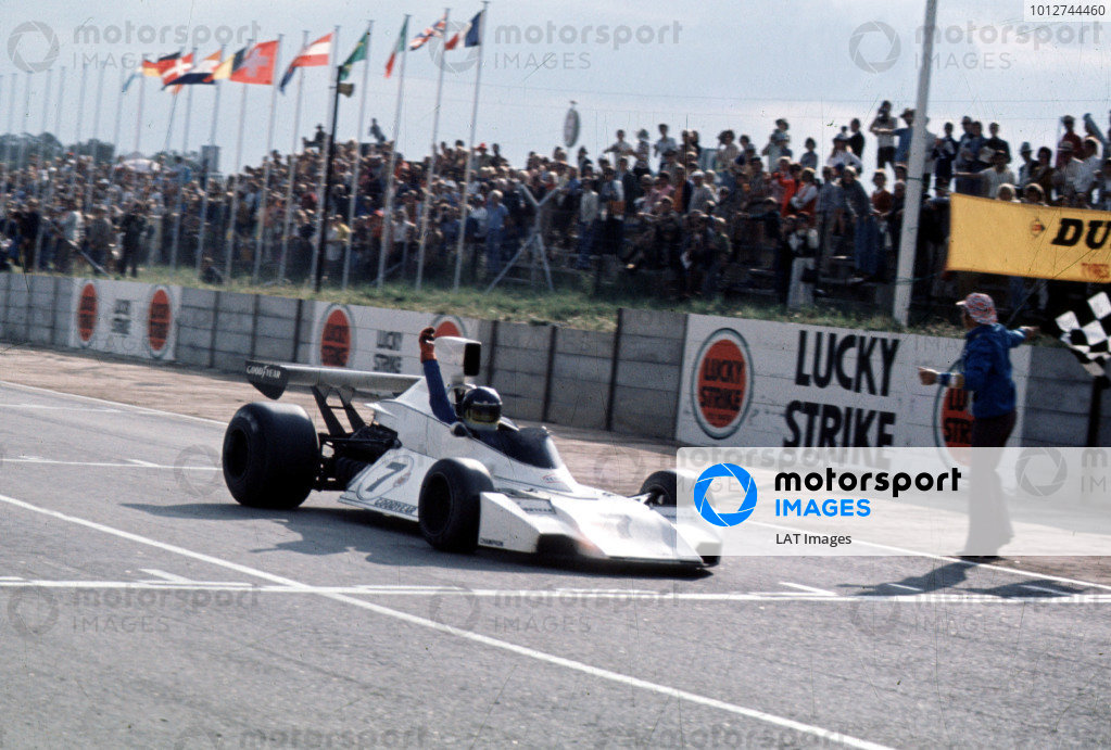 1974 South African Grand Prix. Kyalami, South Africa.  28-30 March 1974. Carlos Reutemann (Brabham BT44 Ford) 1st position. World Copyright - LAT Photographic Ref: 74SA18