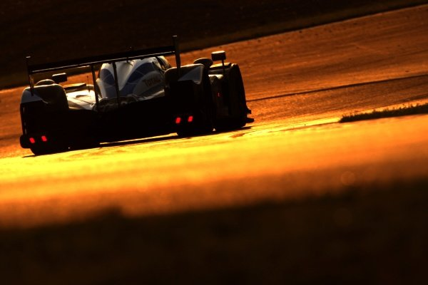 Peugeot sunrise action at Le Mans. Le Mans 24 Hours, La Sarthe, Le Mans, France, 13-14 June 2009.