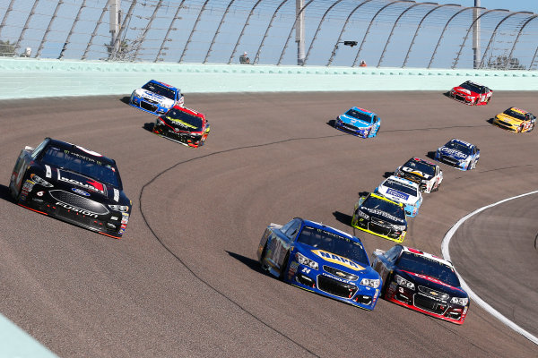 Monster Energy NASCAR Cup Series Ford EcoBoost 400 Homestead-Miami Speedway, Homestead, FL USA Sunday 19 November 2017 Chase Elliott, Hendrick Motorsports, NAPA Chevrolet SS, Austin Dillon, Richard Childress Racing, Dow WeatherTech Chevrolet SS and Trevor Bayne, Roush Fenway Racing, Roush Performance Ford Fusion World Copyright: Russell LaBounty LAT Images