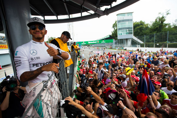 Autodromo Nazionale di Monza, Italy. Sunday 4 September 2016. Lewis Hamilton, Mercedes AMG, 2nd Position, celebrates with the fans after the race. World Copyright: Sam Bloxham/LAT Photographic ref: Digital Image _SBB9764