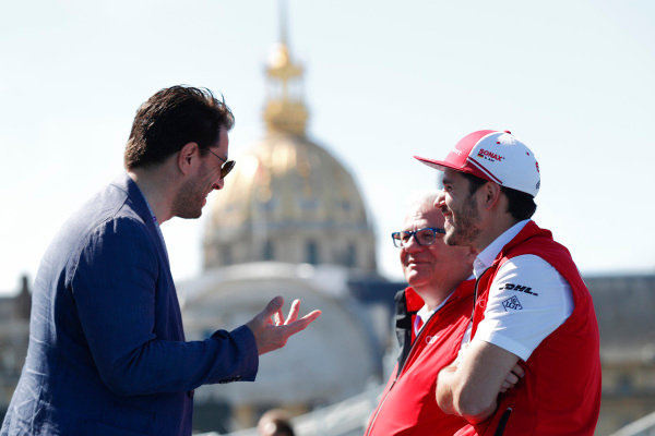 Daniel Abt (GER), Audi Sport ABT Schaeffler, Audi e-tron FE04, talking to Marco Parroni, Head of Global Sponsoring and Managing Director SA Julius Baer.