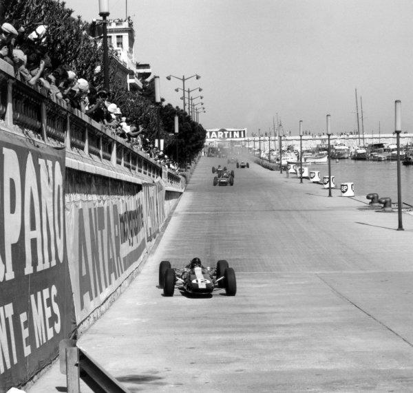 1964 Monaco Grand Prix.Monte Carlo, Monaco. 10 May 1964.Jim Clark, Lotus 25-Climax, 4th position, action.World Copyright: LAT Photographic