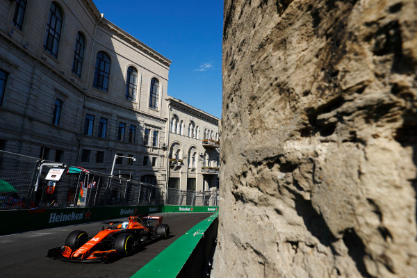Fernando Alonso, McLaren MCL32 Honda.