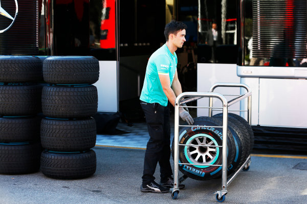 Autodromo Nazionale di Monza, Monza, Italy. Sunday 6 September 2015. A Mercedes engineer packs away the wets. World Copyright: Jed Leicester/LAT Photographic ref: Digital Image _L1_9620
