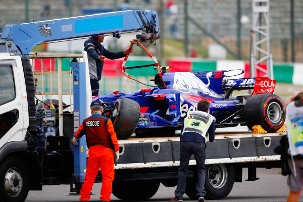 Suzuka Circuit, Japan. Friday 06 October 2017. The car of Carlos Sainz Jr, Toro Rosso STR12 Renault, is returned to the pits after his crash. World Copyright: Andy Hone/LAT Images  ref: Digital Image _ONY7025