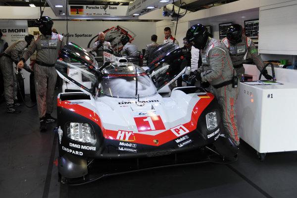 2017 FIA World Endurance Championship, Fuji, Japan. 13th-15th October 2017, #1 Porsche LMP Team Porsche 919 Hybrid: Neel Jani, Andre Lotterer, Nick Tandy  World JEP/LAT Images