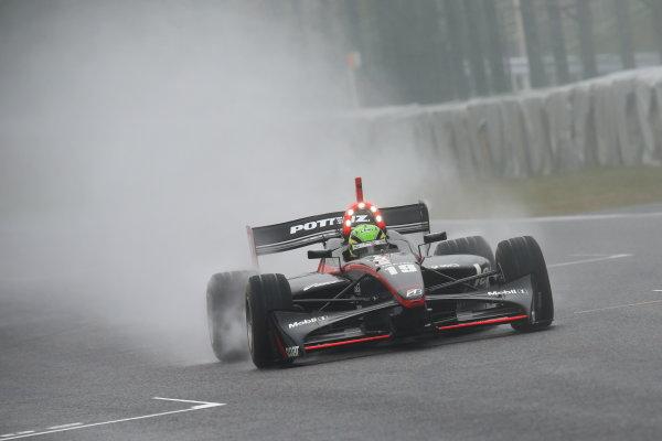 Suzuka, Japan. 9th - 10th November 2013. Rd 7. Race 1. 3rd position Joao Paulo Lima de Oliveira ( #19 Lenovo TEAM IMPUL ) action World Copyright: Yasushi Ishihara/LAT Photographic. Ref: 2013SF_Rd7_014