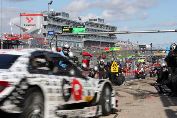 Pit stop for Maro Engel (GER), GQ AMG Mercedes, GQ AMG Mercedes C-Klasse (2008).DTM, Rd7, Brands Hatch, England, 3-5 September 2010.World Copyright: LAT Photographicref: dne1004se50