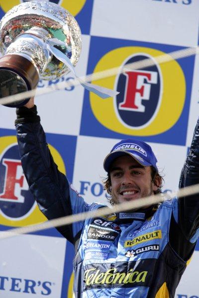 2006 San Marino Grand Prix - Sunday Race Imola, Italy. 20th - 23rd April 2006 Fernando Alonso, Renault R26, 2nd position, podium. World Copyright: Lorenzo Bellanca/LAT Photographic ref: Digital Image ZD2J7933