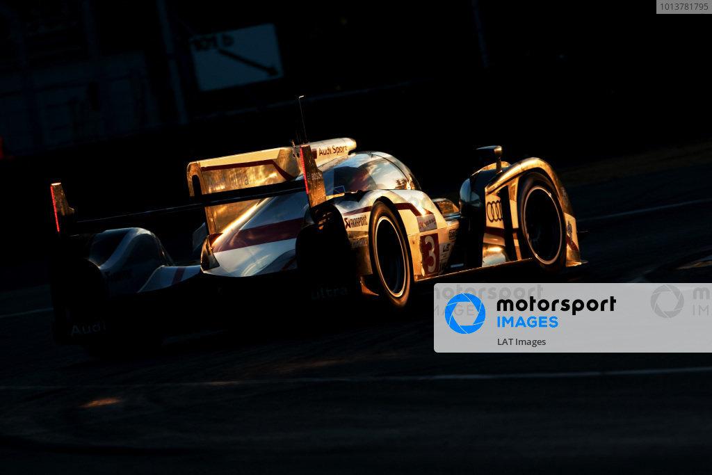 Circuit de La Sarthe, Le Mans, France. 13th - 17th June 2012. RaceMarc Gene/Romain Dumas/Loic Duval, Audi Sport Team Joest, No 3 Audi R18 Ultra. Photo: Daniel Kalisz/LAT Photographic. ref: Digital Image IMG_9339
