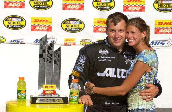 18-20 June, 2004, Michigan International Speedway, USA,Ryan and Chrissie Newman,Copyright-Robt LeSieur 2004 USALAT Photographic