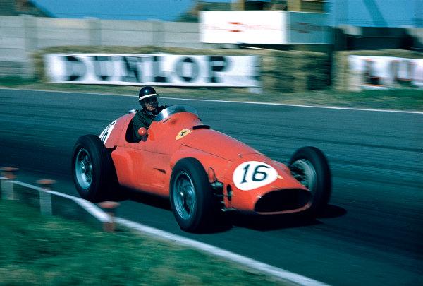 1955 British Grand Prix.Aintree, England.14-16 July 1955.Mike Hawthorn (Ferrari 625) 6th position shared with Eugenio Castellotti.Ref-55 GB 08.World Copyright - LAT Photographic