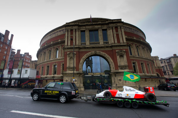 2014 Ayrton Senna Tribute. Royal Albert Hall, Kensington Gore, London. 1st May 2014. Peter Ratcliffe parades a replica 1993 Ayrton Senna McLaren around the streets of London. World Copyright: Alastair Staley / LAT Photographic. Ref: _R6T0427.jpg