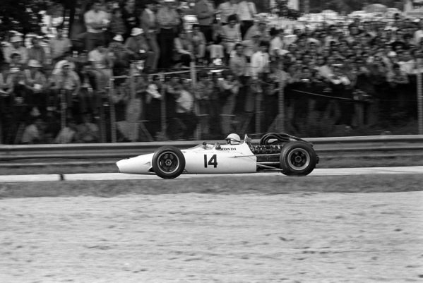 John Surtees, Honda RA300.