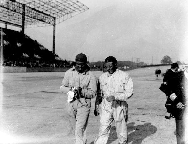 1931 French Grand Prix.Montlhery, Paris, France.21 June 1931.Louis Chiron (left) and Achille Varzi (Bugatti), 1st position.World - LAT Photographic