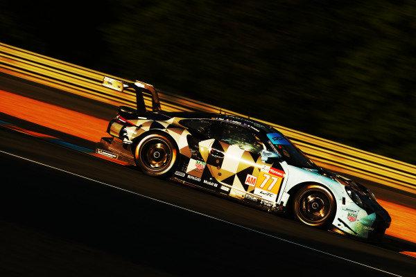 #77 Porsche 911 RSR / DEMPSEY - PROTON RACING - Matt Campbell, Christian Ried, Julien Andlauer