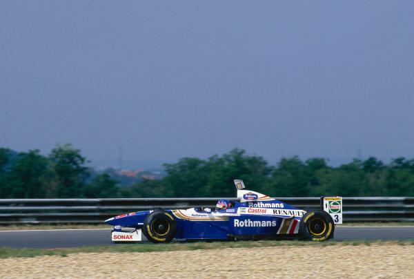 Hungaroring, Budapest, Hungary. 8-10 Auguast 1997.Jacques Villeneuve (Williams FW19 Renault).Ref-97 HUN 47.World Copyright - LAT Photographic