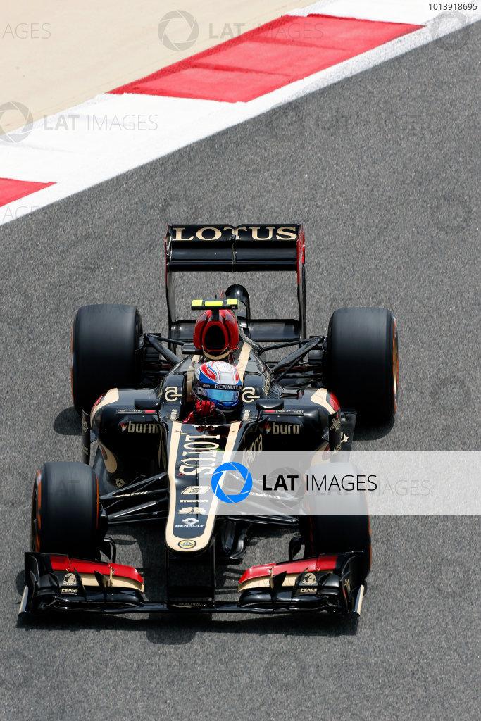 Bahrain International Circuit, Sakhir, Bahrain Friday 19th April 2013 Romain Grosjean, Lotus E21 Renault.  World Copyright: Charles Coates/LAT Photographic ref: Digital Image _N7T0058
