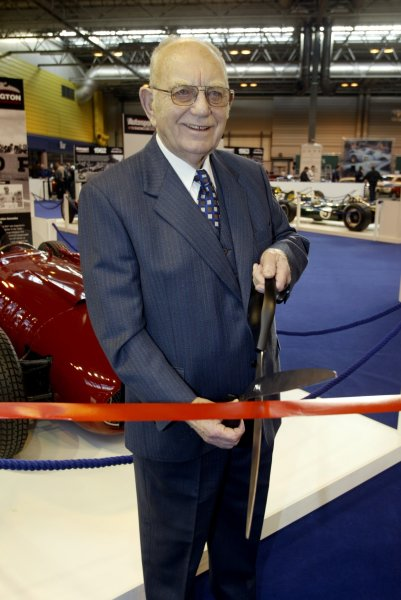 2006 Autosport International ExhibitionBirmingham NEC, Thursday 12th January 2006.Tom Wheatcroft cuts the tape to open the LAT/Donington GP Collection 100 Years of Grand Prix Exhibition. Portrait.World Copyright: Malcolm Griffiths/LAT Photographicref: Digital Image Only