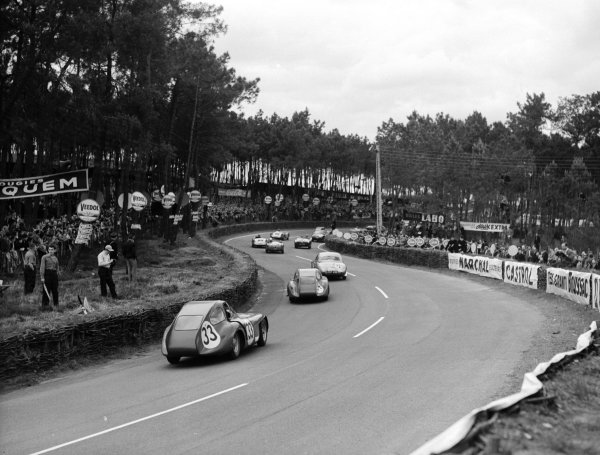 Le Mans, France.12-13 June 1954.Tommy Wisdom/Jack Fairman (Bristol 450, number 33) follows the field through the Esses.Ref-Motor 769/8.World Copyright - LAT Photographic