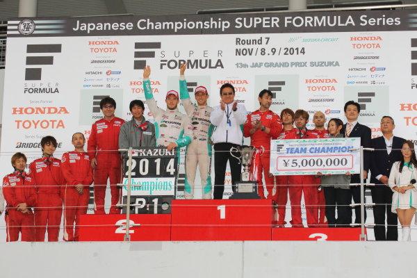 2014 Super Formula Series. Suzuka, Japan. 9th - 10th November 2014. Rd 7. 2014 Team  Champions PETRONAS TEAM TOM'S podium, portrait World Copyright: Yasushi Ishihara / LAT Photographic. Ref:  2014_SF_Rd7_026.JPG