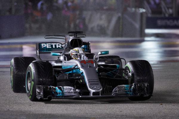 Marina Bay Circuit, Marina Bay, Singapore. Sunday 17 September 2017. Lewis Hamilton, Mercedes F1 W08 EQ Power+.  World Copyright: Steve Etherington/LAT Images  ref: Digital Image SNE19110