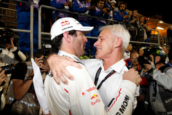 2015 FIA World Endurance Championship Bahrain 6-Hours Bahrain International Circuit, Bahrain Saturday 21 November 2015. Mark Webber (#17 LMP1 Porsche AG Porsche 919 Hybrid celebrates after winning the drivers championship. World Copyright: Alastair Staley/LAT Photographic ref: Digital Image _79P1378