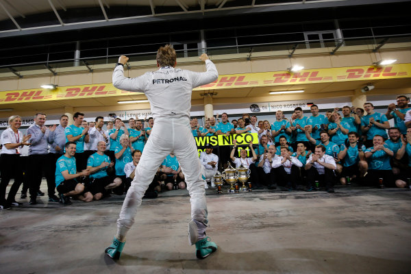 Bahrain International Circuit, Sakhir, Bahrain. Sunday 3 April 2016. Nico Rosberg, Mercedes AMG, celebrates victory in front of team members. World Copyright: Hone/LAT Photographic ref: Digital Image _ONY2598
