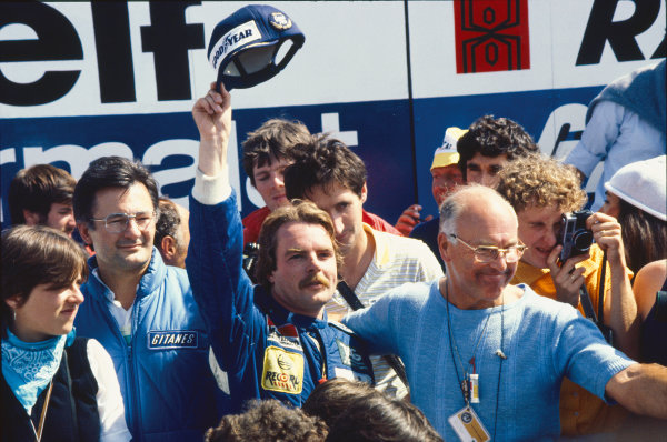 1982 Swiss Grand Prix. Dijon-Prenois, France. 29 August 1982. Keke Rosberg, Williams FW08-Ford, 1st position, podium. World Copyright: LAT Photographic Ref: 35mm transparency 82SUI